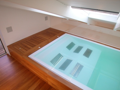 ECO LUXURY HOUSE   POOL   http://www.archilovers.com/projects/58300/relaxing-hi-tech-pool.html