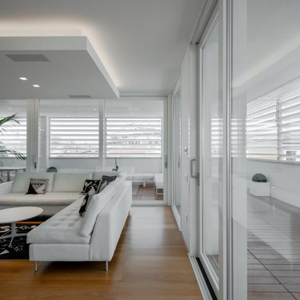 MODERN PENTHOUSE   http://www.archilovers.com/projects/214795/modern-penthouse-attico-moderno.html