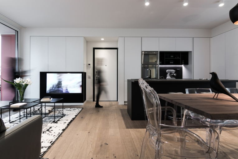 BETWEEN LIVING AND KITCHEN   LM HOUSE   CASA LM  